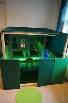 Reggio Emilia, Preschool Classroom, Kindergarten, Communication Friendly Spaces, Family Night, Wooden Blocks, School Teacher, Light And Shadow, Wooden Toys