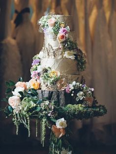 45 Ways To Use Moss in Any Style of Wedding ~ we ❤ this! moncheribridals.com