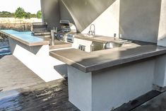 Redesigning Your Kitchen Area: Choosing Your New Kitchen Counter Tops – Outdoor Kitchen Designs Modern Outdoor Kitchen, Outdoor Kitchen Plans, Outdoor Kitchen Countertops, Outdoor Oven, Outdoor Fire, Outdoor Living, Outdoor Kitchens, Kitchen Oven, New Kitchen