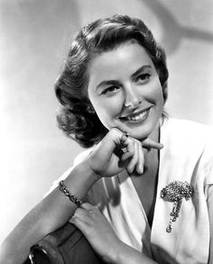 "Ingrid Bergman: Hollywood Classy Lady in ""Casablanca"". Hollywood Stars, Golden Age Of Hollywood, Vintage Hollywood, Hollywood Glamour, Hollywood Actresses, Classic Hollywood, Swedish Actresses, Classic Actresses, Classic Films"