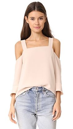 ¡Consigue este tipo de top hombros descubiertos de COOPER & ELLA ahora! Haz clic para ver los detalles. Envíos gratis a toda España. Cooper & Ella Tilde Cold Shoulder Top: An elegant Cooper & Ella blouse styled with cutouts at the shoulders. Flared sleeves and shoulder straps. Lined. Fabric: Crepe. Shell: 89% polyester/11% spandex. Lining: 100% polyester. Wash cold or dry clean. Imported, China. Measurements Length: 22.75in / 58cm, from shoulder Measurements from size S (top hombros…