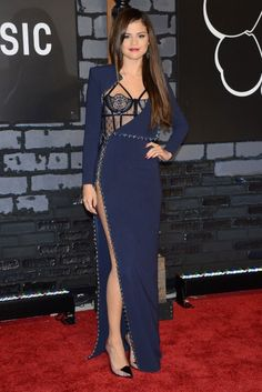 #Selena_Gomez:  Great dress, wrong shoes
