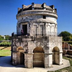 #Ravenna - Mausoleo di Teodorico Byzantine Art, Ravenna, My Town, Family Adventure, All The Colors, Italy, Colours, Building, Places