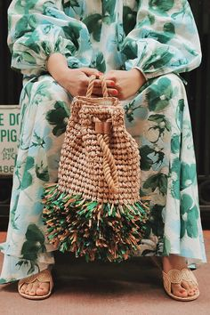 DIY Raffia Fringe Straw Bag