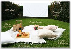 :o I sooo want to do this! Could invite friends too or just enjoy eachother  Date Night Tonight: Outdoor Movie