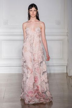 A look from Valentino Spring 2017 Haute Couture.