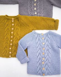 is now available in English at Ravely It only took me a good couple of years, but hey- that's a lot Baby Boy Knitting Patterns, Baby Sweater Patterns, Baby Cardigan Knitting Pattern, Knit Baby Sweaters, Knitting For Kids, Girls Sweaters, Crochet Baby, Knit Crochet, Diy Crafts Knitting