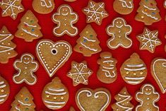 Galletas crujientes de miel y especias. Receta de postre fácil y sencilla Christmas Biscuits, Christmas Sugar Cookies, Gingerbread Cookies, Salt Dough Crafts, Christmas Mix, Cake Shop, Cookie Decorating, Cake Cookies, Cupcakes