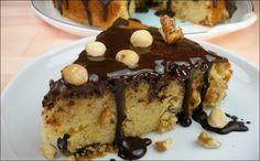 A un bizcocho de chocolate y frutos secos, quién puede decirle que no? Y es que es tan práctico tenerlo en casa, a punto, para el desayuno, el postre...