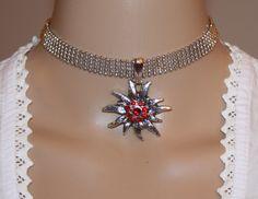 Kropfband mit großem Edelweiss und schwarzen Strasskristallen von Edelweiss51 auf Etsy