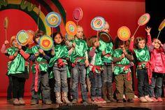 schoolfeest sjakie en de chocoladefabriek - Google zoeken Willy Wonka, School Themes, Roald Dahl, Google
