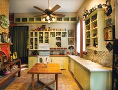 Sisters and New Orleans mask-makers Ann and Laura Guccione renovated their split-unit Marigny home to include a bright, open kitchen fit for entertaining.