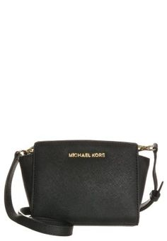 Rhea backpack by MICHAEL Michael Kors. A structured MICHAEL Michael Kors backpack in pebbled leather. Michael Kors Selma, Michael Kors Coats, Michael Kors Purses Outlet, Michael Kors Factory Outlet, Cheap Michael Kors Bags, Michael Kors Fall, Michael Kors Bedford, Michael Kors Tote Bags, Michael Kors Outlet