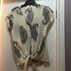Peter Dunham for Lucky. Works for a medium too. Lucky Brand Tops Button Down Shirts Tied Shirt, Button Down Shirt, Peter Dunham, Lucky Brand Jewelry, Lucky Brand Tops, Fashion Tips, Fashion Design, Fashion Trends, Paisley
