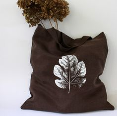 love this fig leaf print. (adorable tote by lotta helleberg.)