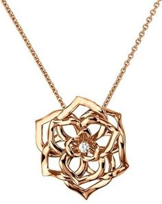 #PiagetRose pendant in 18K pink gold, set with one brilliant-cut diamond.