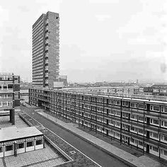 Samuda Estate off of Manchester Rd .there weren't many tower blocks when this was built on the Isle on Dogs