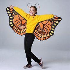 Homemade Halloween costume ideas for kids: Butterfly costume using a kite! Butterfly Halloween Costume, Halloween Mono, Diy Halloween Costumes For Kids, Holidays Halloween, Homemade Halloween, Costume Halloween, Halloween Outfits, Bug Costume, Costume Ideas