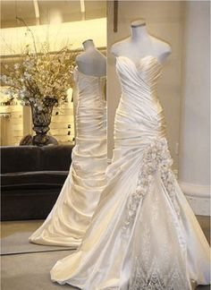 pinina tornai.... Omg, saw this over a year ago on Say yes to the dress and loved it!!!!
