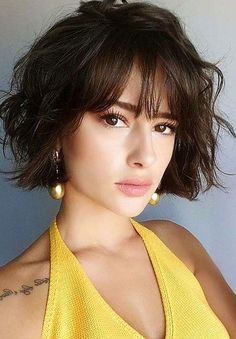 20 Short Trendy Haircuts Cute Short Haircuts to Look Stunning Related posts:Alicia Keys Hairstyle Kinky Curly Lace Wigs Indian Virgin Hair Of The Coolest Brunette Balayage Mid Length Wavy Bob Hairstyles for 2019 Short Hair Updo, Curly Hair Styles, Chic Short Hair, Messy Hair, Short Haircuts With Bangs, Haircut Short, Haircut Bob, Bangs Short Hair, Short Trendy Haircuts