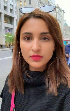 Parneeti Chopra, Funny Quotes In Hindi, Quran Quotes, Beautiful Actresses, Bollywood Actress, Indian Actresses, Beautiful Women, Model, Sisters