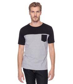 Camiseta Masculina Listrada com Bolso - Lojas Renner