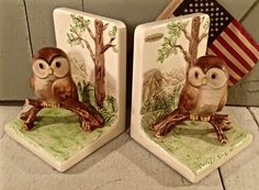 Excellent Condition owl bookends. This set is hand painted made in Japan by OMC. There are no cracks, chips or crazing found on this set of owl bookends. The original stickers are still on both bookends. The measurements are 6t, 4.75w and 4.5l.     If this is a gift, please let me know and I will send a handmade tag with your gift. Because of the nature of antiques, vintage or kitsch pieces they are not always in perfect condition. We work very hard to give you many pictures and describe…