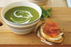 Minted pea soup with smoked salmon and cream cheese toasts for St Patrick's Day #green