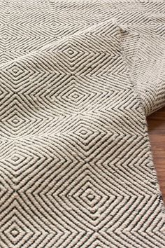 flat woven - This looks a lot like the green diamond twill rug I made.