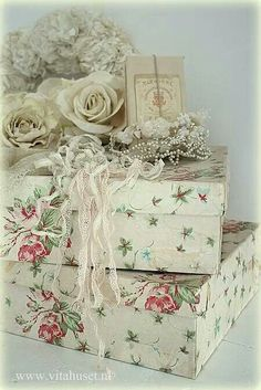 Pretty decorated boxes and accessories.