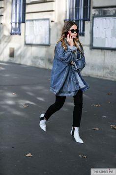 Outside Dries Van Noten / Paris Fashion Week SS18