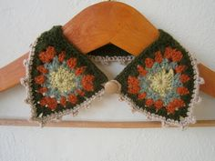 To replace collar on old coat? Crochet Collar Necklace Granny Square in Green, Brick, Beige Granny Square Crochet Pattern, Crochet Granny, Crochet Motif, Crochet Designs, Crochet Patterns, Crochet Gifts, Diy Crochet, Knitting Projects, Crochet Projects