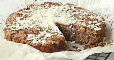 Hvid chokolade-daddeltærte - not a diet, but low carb at least? Food Cakes, Freshly Baked, Low Carb Diet, Bread Baking, Banana Bread, Cake Recipes, Food And Drink, Gluten Free, Favorite Recipes