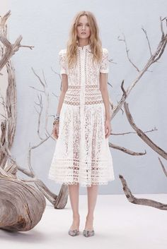 Zimmermann Resort 2017 Fashion Show Collection: See the complete Zimmermann Resort 2017 collection. Look 30 Fashion 2017, Runway Fashion, Boho Fashion, Girl Fashion, Fashion Show, Fashion Dresses, Womens Fashion, Vestidos Vintage, Trends 2018