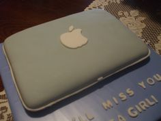 The Simple Cake: Apple Laptop/Computer Cake