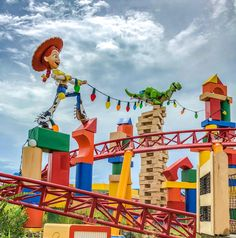 Toy Story Land: A BIG New Way to Play at Walt Disney World! - Listen to Lena Vacation Resorts, Disney World Resorts, Walt Disney World, Vacations, Board Game Pieces, Board Games, Giant Building Blocks, Toy Story, Arcade
