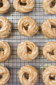 French Honey Crullers Butter Glazed 3 by littlespicejar Delicious Donuts, Delicious Desserts, Yummy Treats, Yummy Food, French Cruller Recipe, Donut Recipes, Cooking Recipes, Breakfast Recipes, Gastronomia