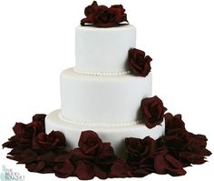 Beautiful, natural-lookingroses and petalstodecorate your wedding cake. This versatile cake flower set comes with 12 open rose headsand 200 matching rose petals. You can sprinkle the petals all o