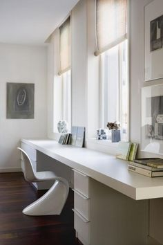 Long desk study office room large work home decor ideas big table interior design Home Office Space, Home Office Design, Home Office Decor, House Design, Small Office, Study Table Designs, Study Rooms, Study Office, Room Decor