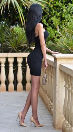 Woman Worship — Shape of your body Tight Dresses, Sexy Dresses, Short Dresses, Pretty Dresses, Sexy Skirt, Dress Skirt, Bodycon Dress, Sexy Rock, Pernas Sexy