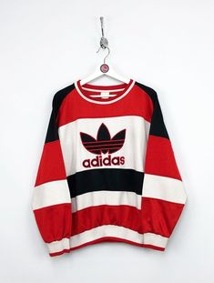 Adidas Vintage, Adidas Outfit, Adidas Shirt, Vintage Nike Sweatshirt, Homecoming Outfits, Cool Outfits, Fashion Outfits, Colorful Hoodies, Fashion Project