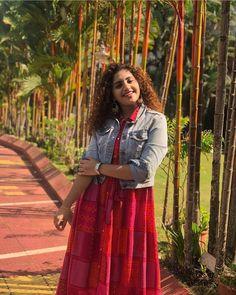 Women's kurtis online: Buy stylish long & short kurtis from top brands like BIBA, W & more. Explore latest styles of A-line, straight & anarkali kurtas. Short Kurtis, Stylish Kurtis, Portraits From Photos, Useful Life Hacks, Long Shorts, Beautiful Indian Actress, Indian Actresses, Latest Fashion, Sari