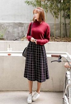 Best 11 Korean Fall Fashion For Women https://fazhion.co/2017/12/07/korean-fashion-fall-women/ 11 Korean Fall Fashion For Women you need to know now and suitable for almost any gatherings and look as good as your idol