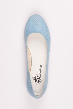 sporty bellerina aus gelochtem hellblauem Stoff Sporty, Flats, Shoes, Fashion, Loafers & Slip Ons, Moda, Zapatos, Shoes Outlet, Fashion Styles