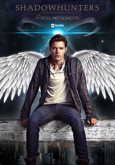 Dominic Sherwood as Jace Herondale in the Shadowhunters TV series. Shadowhunters Clary And Jace, Clary Et Jace, Shadowhunters Tv Series, Jace Lightwood, Shadowhunters The Mortal Instruments, Dominic Sherwood, Shadow Hunters Tv Show, Fangirl, Desenhos Harry Potter