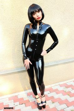 Lover of gorgeous women in sexy clothes. Eclectic in taste and easy going, always nice to speak with likeminded people, specially women. Sexy Latex, Latex Babe, Latex Suit, Latex Dress, Sexy Outfits, Latex Costumes, Latex Girls, Tights Outfit, Latex Fashion