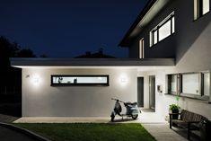 Einfamilienhaus# Satteins# Massivbau# Pool# modernes Einfamlienhaus# design Haus# mit pool# Wohndesign Deck Makeover, House Styles, Outdoor Decor, Home Decor, Garage, Gardens, Home, Hip Roof, Windows