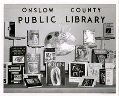 "Exhibit of books on art and artists at flower show, Written on back: ""Onslow County Library Nov 1959 exhibit at Flower Show"" : Library History Collection."