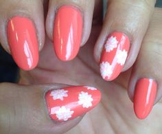 Nails of the week: Liz Earle flashing coral Bright & Breezy