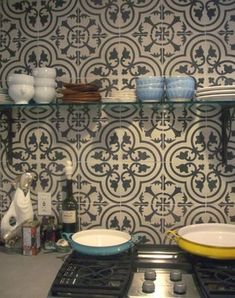 This is the Cuban cement tile I purchased, this exact color and pattern. Cuban tile walls from floor to ceiling on all walls in the kitchen. New Kitchen, Kitchen Decor, Grand Kitchen, Basement Kitchen, Kitchen Art, Kitchen Design, Moroccan Tile Backsplash, Moroccan Tiles, Painting Ceramic Tiles
